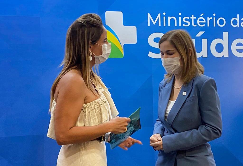 Representante do governo federal conhece programas de residências em saúde de Palmas